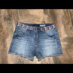 Aeropostale jean shorts size 6 high waisted